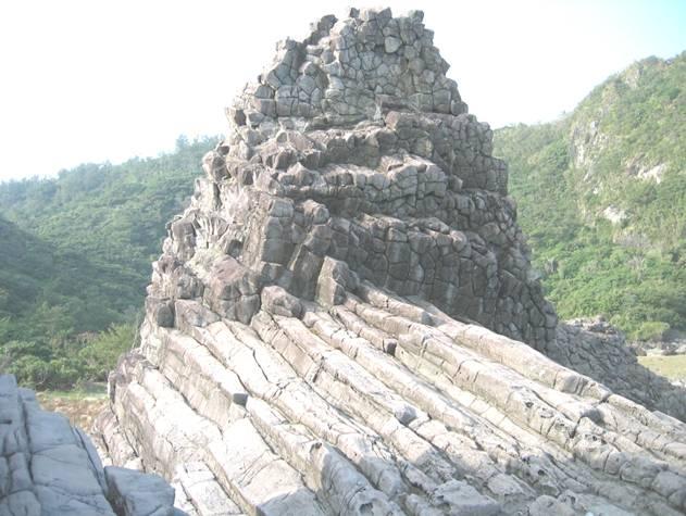 「綠島火山岩地層」的圖片搜尋結果